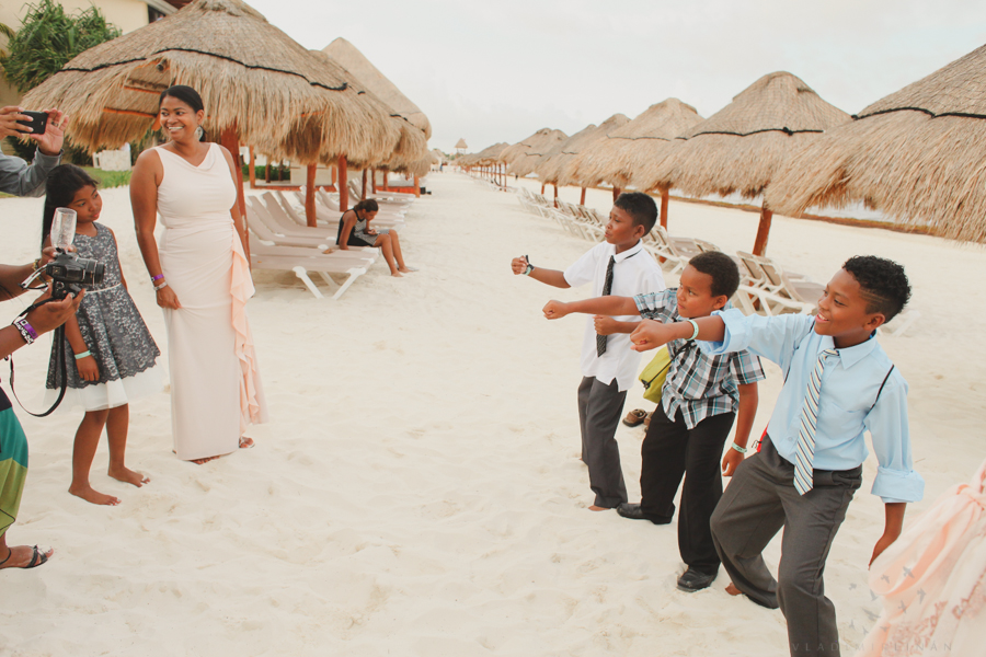 CANCUN PHOTOGRAPHER, CANCUN WEDDING PHOTOGRAPHER, MEXICO DESTINATION WEDDINGS, MEXICO PHOTOGRAPHER, MEXICO WEDDING PHOTOGRAPHER, PHOTOGRAPHER IN CANCUN, PHOTOGRAPHER IN PLAYA DEL CARMEN, PHOTOGRAPHERS IN PLAYA DEL CARMEN, PLAYA DEL CARMEN PHOTOGRAPHER
